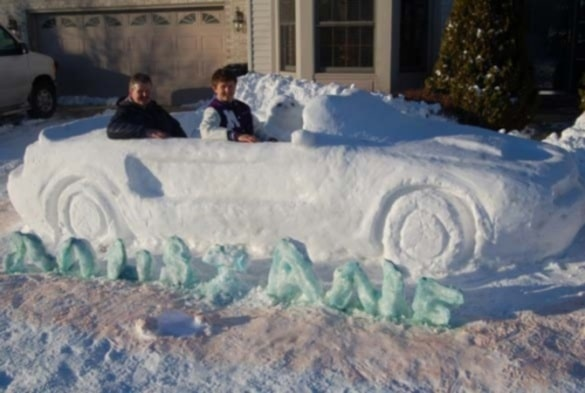 2011-ford-mustang-made-of-snow